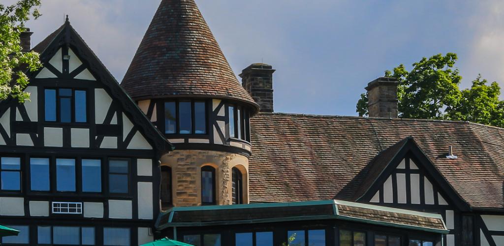 Punderson Manor exterior